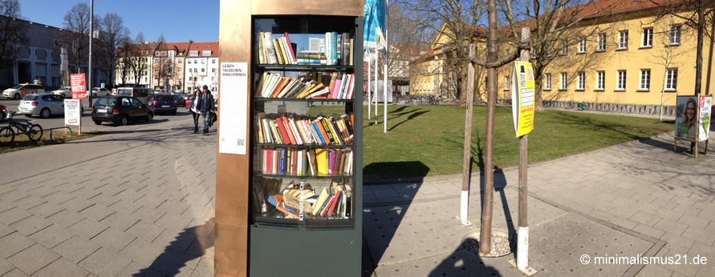 Der Schwabinger Bücherschrank direkt am Nordbad
