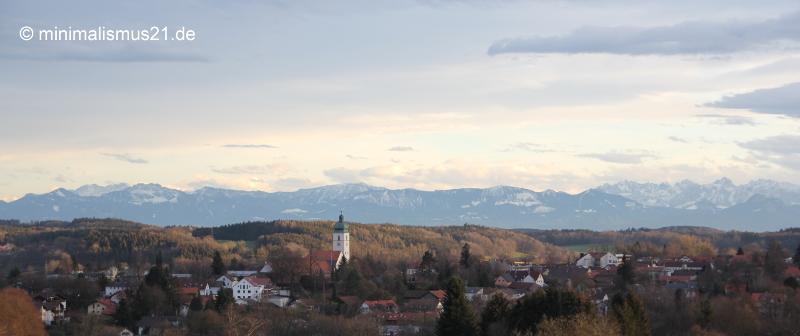 Ausblick über Ebersberg auf das gesamte Voralpenland